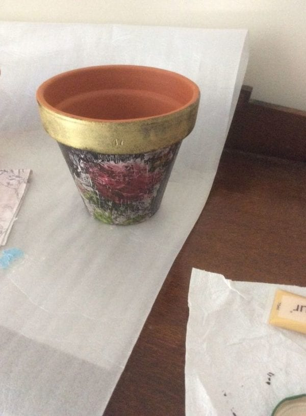 DIY Crackle Painting a Terracotta Pot